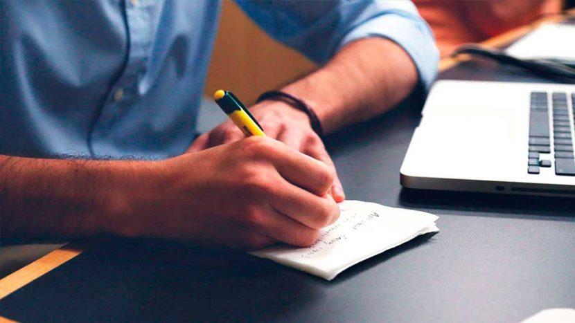 cómo elegir un redactor freelance